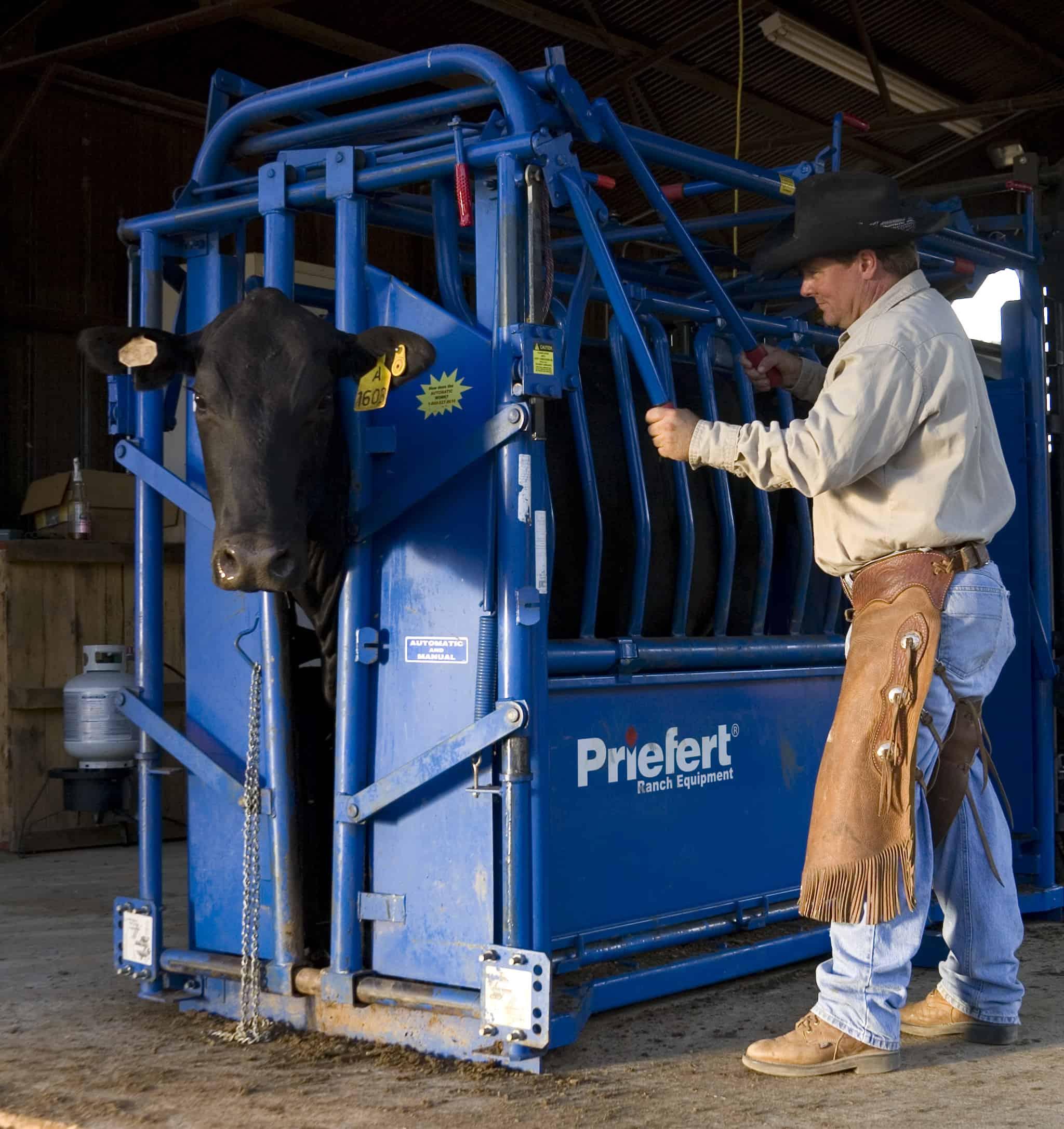 Priefert Livestock Squeeze Chute Model 04 Robertson
